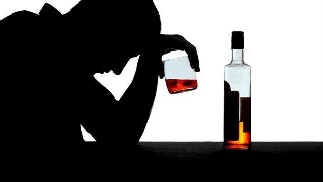 les alcooliques et les toxicomanes